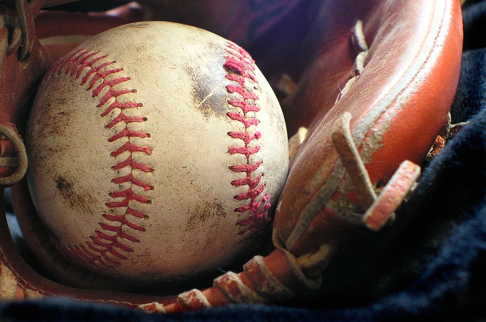 Softball, Glove, Sport, Recreation, Mit, Baseball