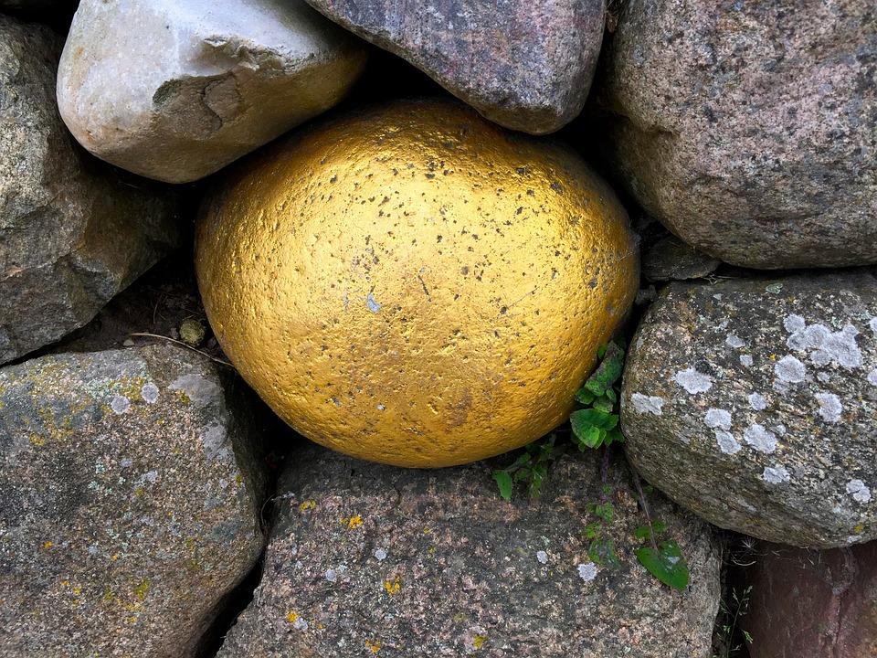 Stone, Gold