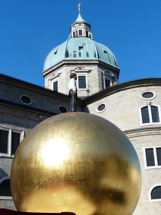 Balkenhol Mozartkugel, Sphaera, Golden Ball, Man, Fig