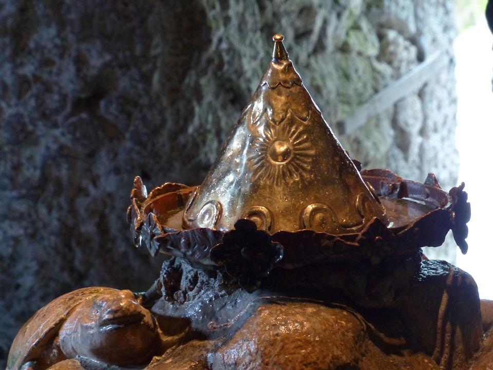 Mydasgrotte, Crown Cave, Crown, Golden Crown, Golden