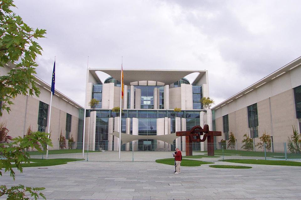Federal Chancellery, Berlin, Government