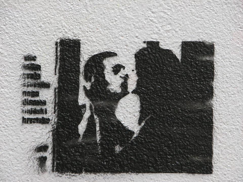 Graffiti, Black And White, Silhouette, Kiss, Couple