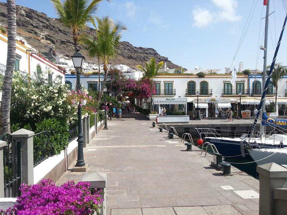 Puerto De Mogan, Gran Canaria, Channels