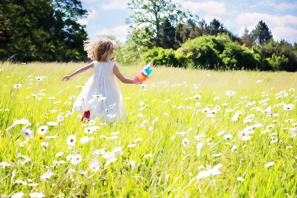 Little Girl Running, Daisies, Nature, Grass, Summer