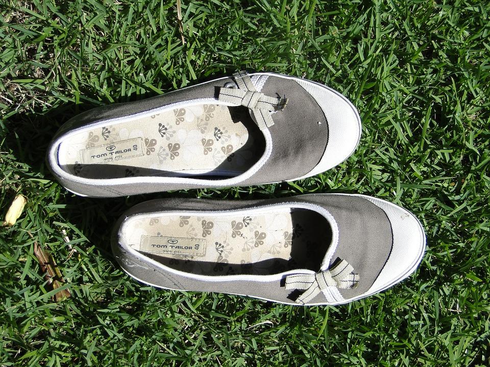 Shoes, Footwear, Pair, Fashion, Grass, Feet, Barefoot