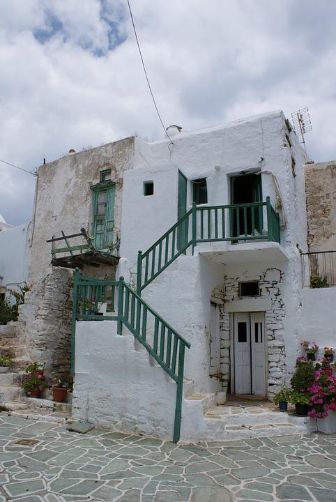 Fart, House, Greece