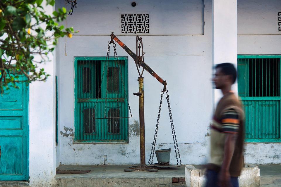 Outdoor, India, Travel, Motion, Libra, Green, Wall, Man