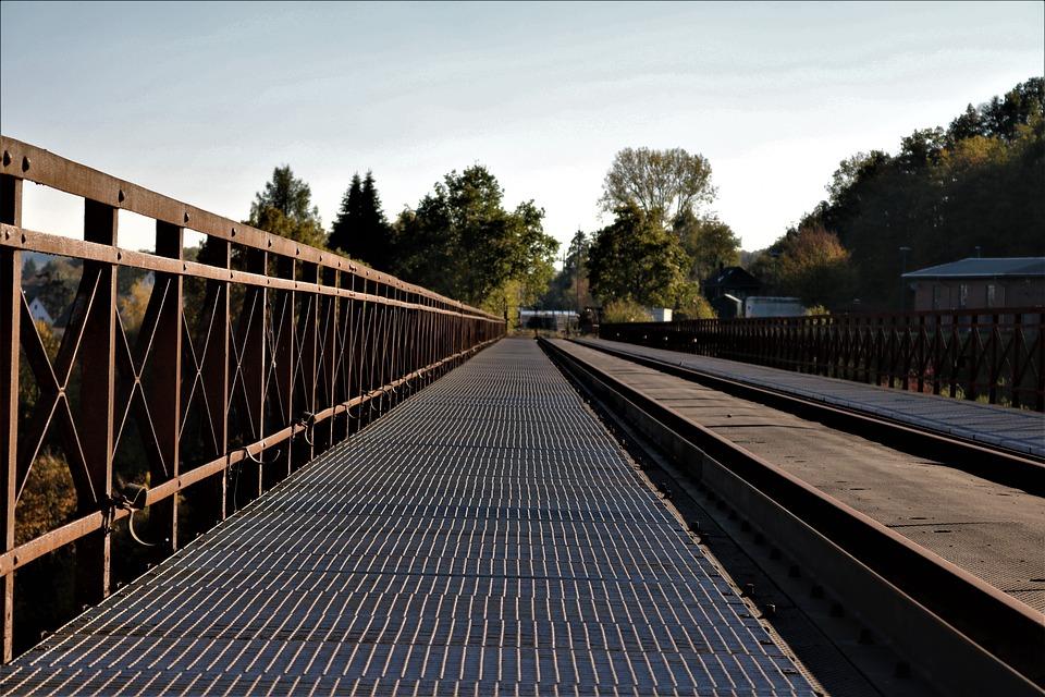 Grid, Railway Bridge, Top