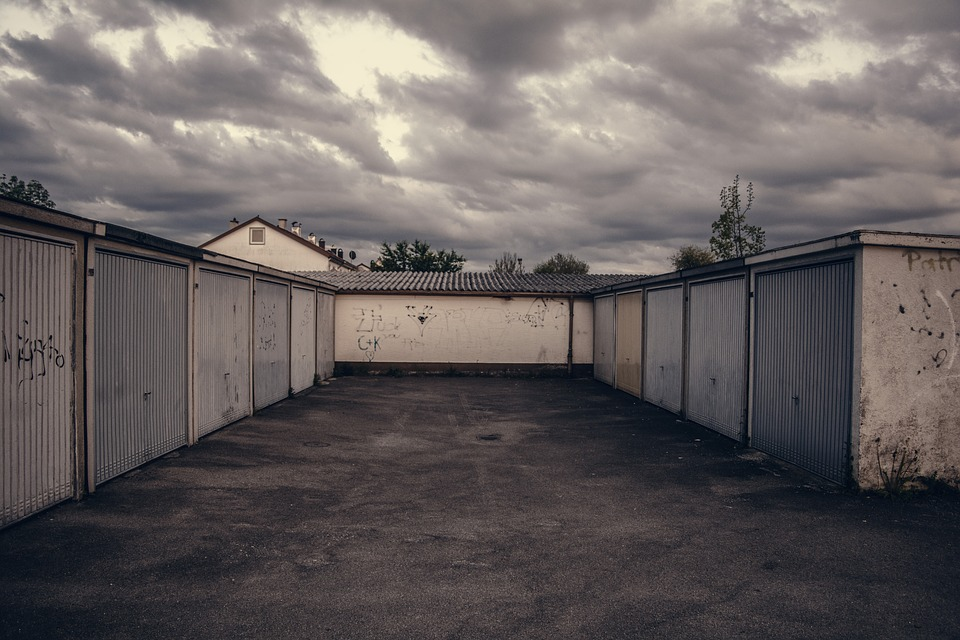 Lot, Garage, Parking, Gritty, Garage Door