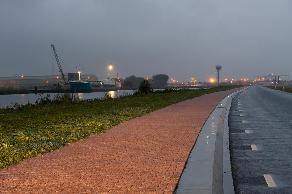 Reflective Pavement, Poly Civil, Groningen