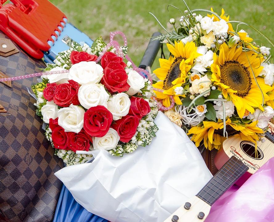 Flowers, Rose, Gift, Bouquet, Guitar
