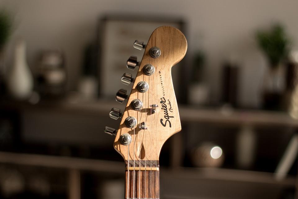 Electric Guitar, Guitar, Squier, Bookeh, Music, House