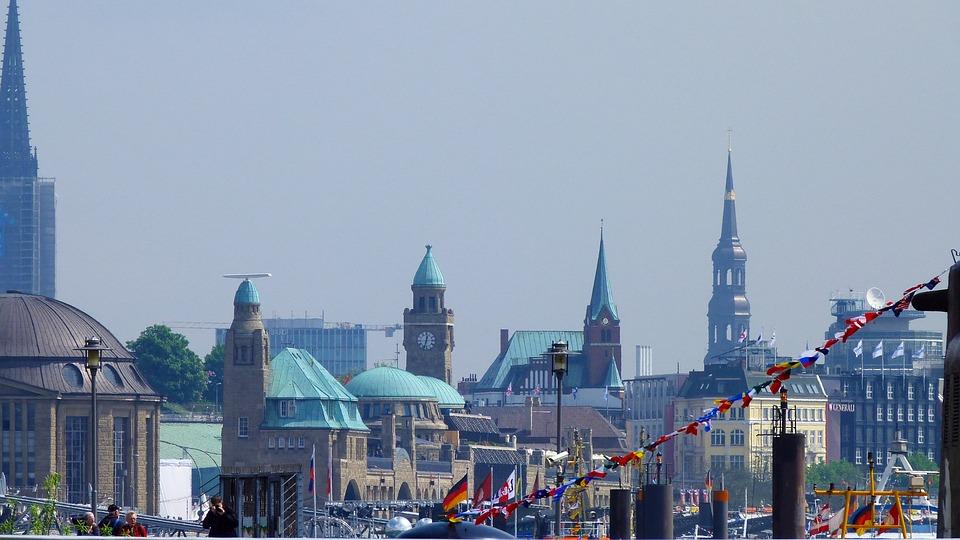 Hamburg, Port, Landungsbrücken