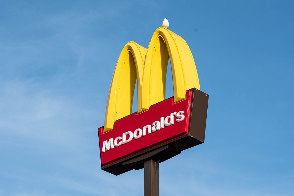 McDonald's będzie sprzedawał wegańskie burgery. Nad ich recepturą pracowano 3 lata