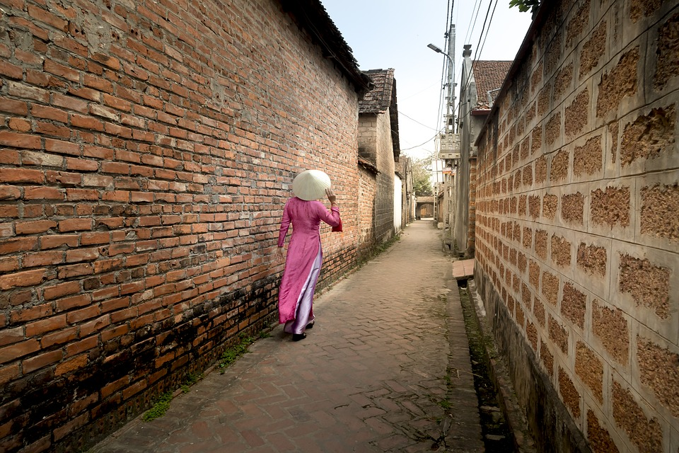 The Ancient Village, Forestry Road, Hanoi, Women