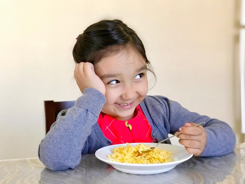 Child, Lifestyle, Cute, Sit, Happiness, Pasta, Smile