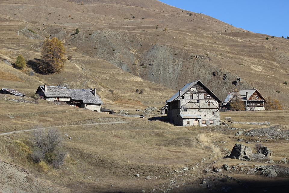 Chalets, Meadow, Queyras, Cervières, Hautes Alpes