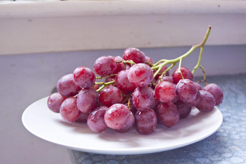 Fruit, Eating, Dessert, Healthy, Juicy, Bunch Of Grapes
