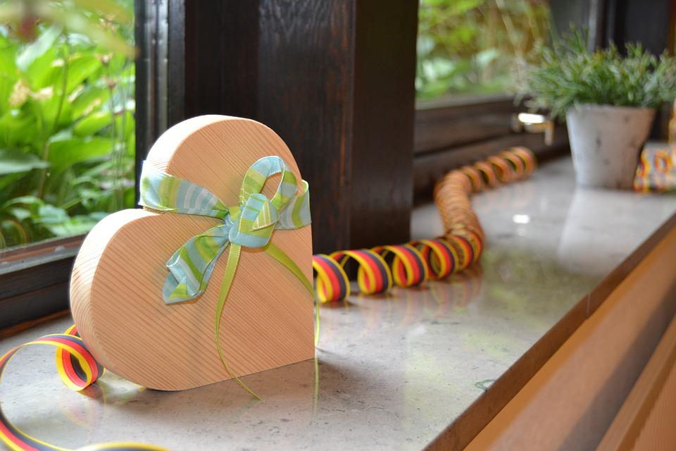 Heart, Band, Green, Wood, Streamer