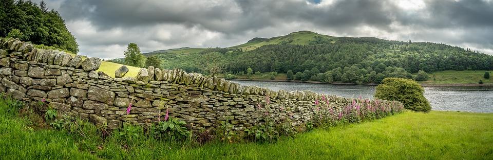 Dry Stone Wall, Ladybower Reservoir, Derbyshire, Hills