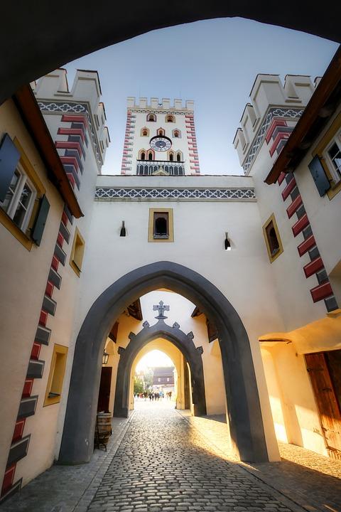 Bayer Gate, Landsberg, Tree, Historic Center, City Gate