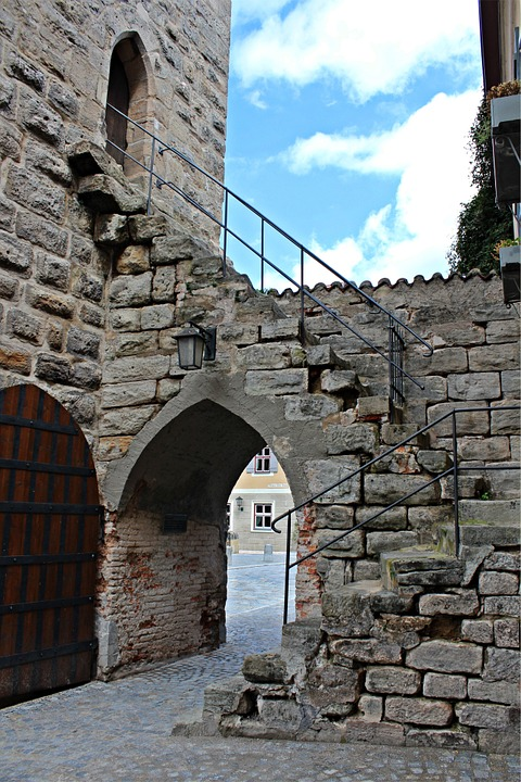 Dinosaur, Altstadttor, Historic Old Town, Stone Stairs