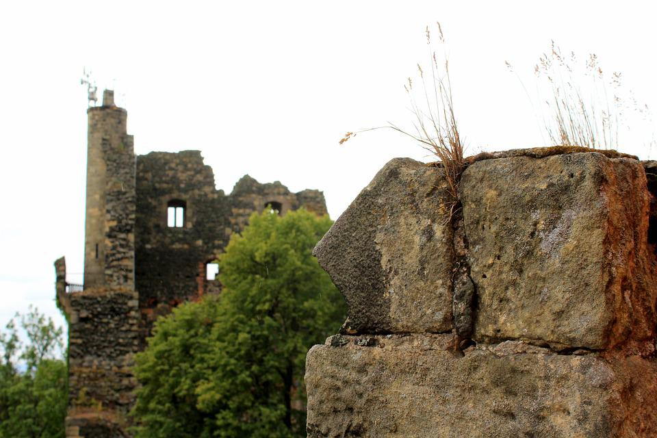 Castle, The Ruins Of The, History, Crash, Architecture