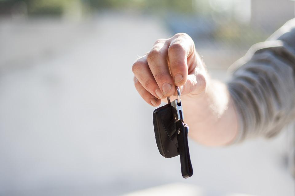 Guy, Man, Male, People, Hand, Hold, Car, Keys, Drive