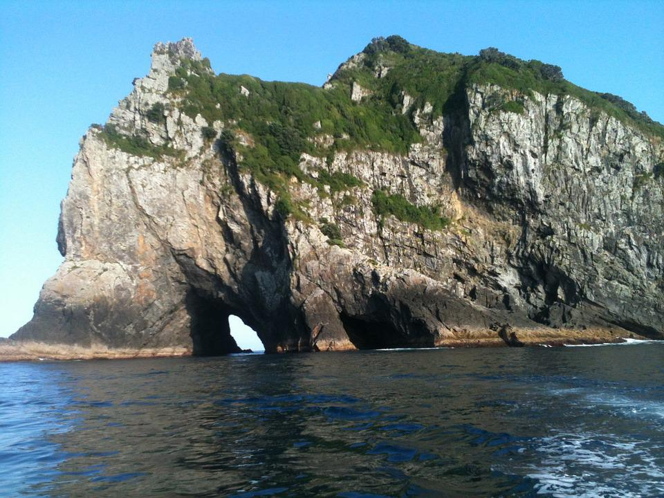 New Zealand, Hole In Rock, Bay Of Islands, Ocean