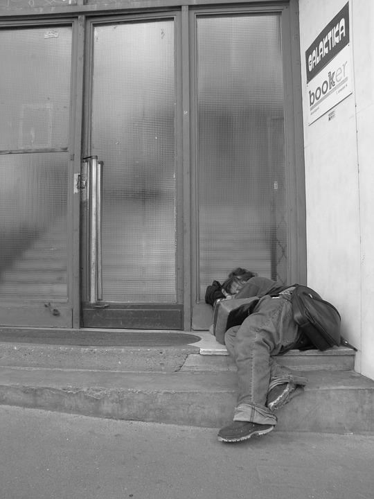 Homeless, Fedélnélküli, Man, Sleep, Street, Gate
