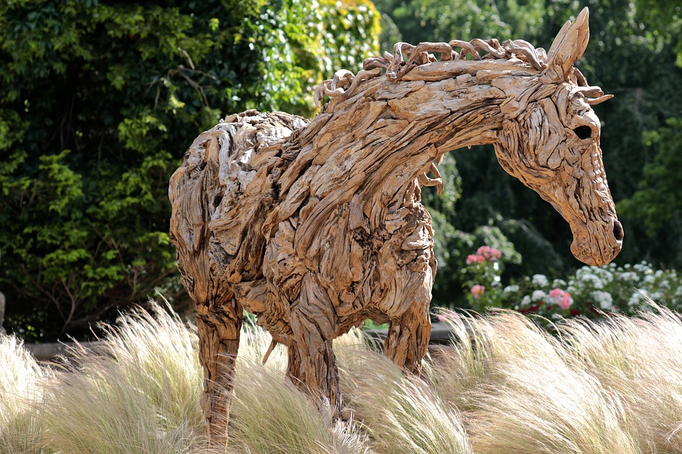 Wood Art, Oakley Court Hotel, Horse, Country Park