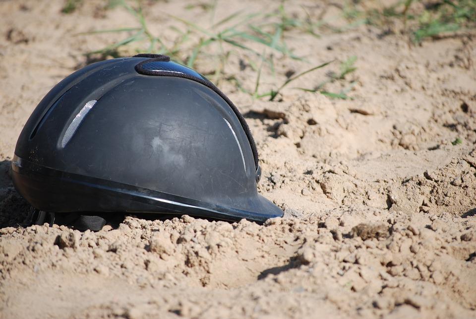Toque, Helmet, Horseback Riding, Mud, Sand, Horses