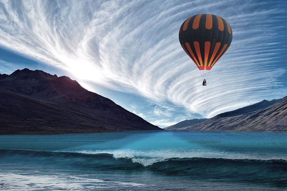 Hot Air Balloon, Balloon, Sea, Assembly, Sky, Flying