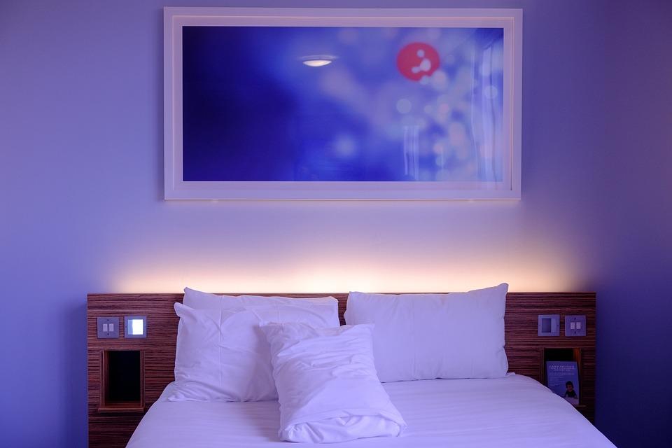 Bedroom, Hotel Room, White, Bedding, Wall Art, Lodging