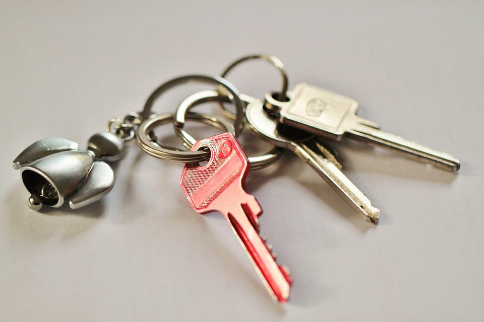 Keychain Key Door Key House Keys Shut Off Security & Free photo House Keys Shut Off Key Door Key Security Keychain - Max ...