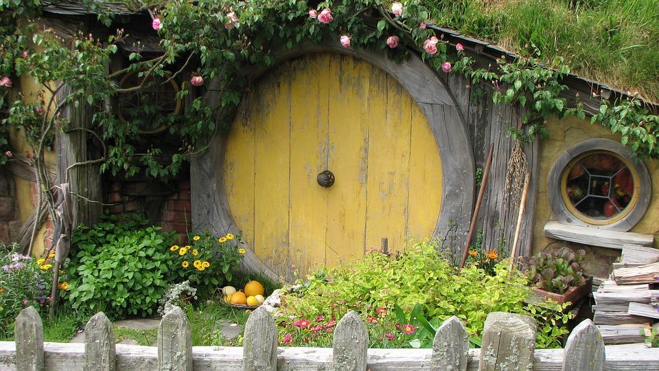 House, Hobbit, Travel