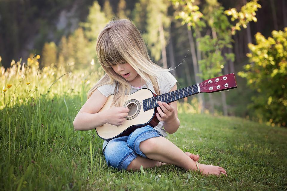 Person, Human, Child, Girl, Blond, Guitar, Music