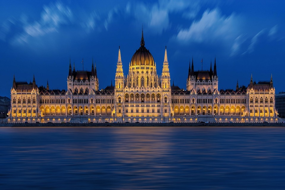 Budapest, Hungarian Parliament, Danube, Reflection