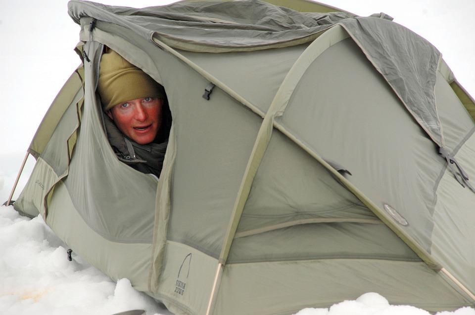 Free photo Ice Winter Kodiak Tent Camping Snow Alaska Man