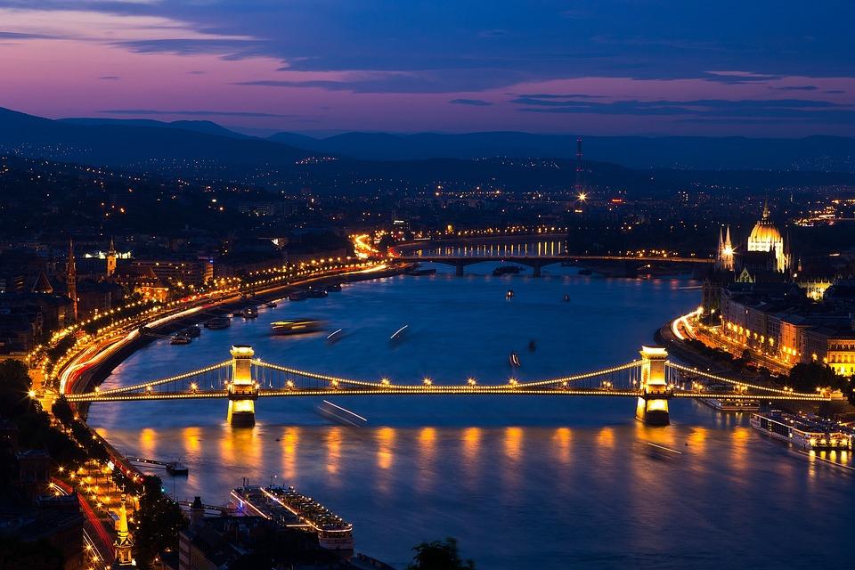 Budapest, Chain Bridge, Danube, In The Evening