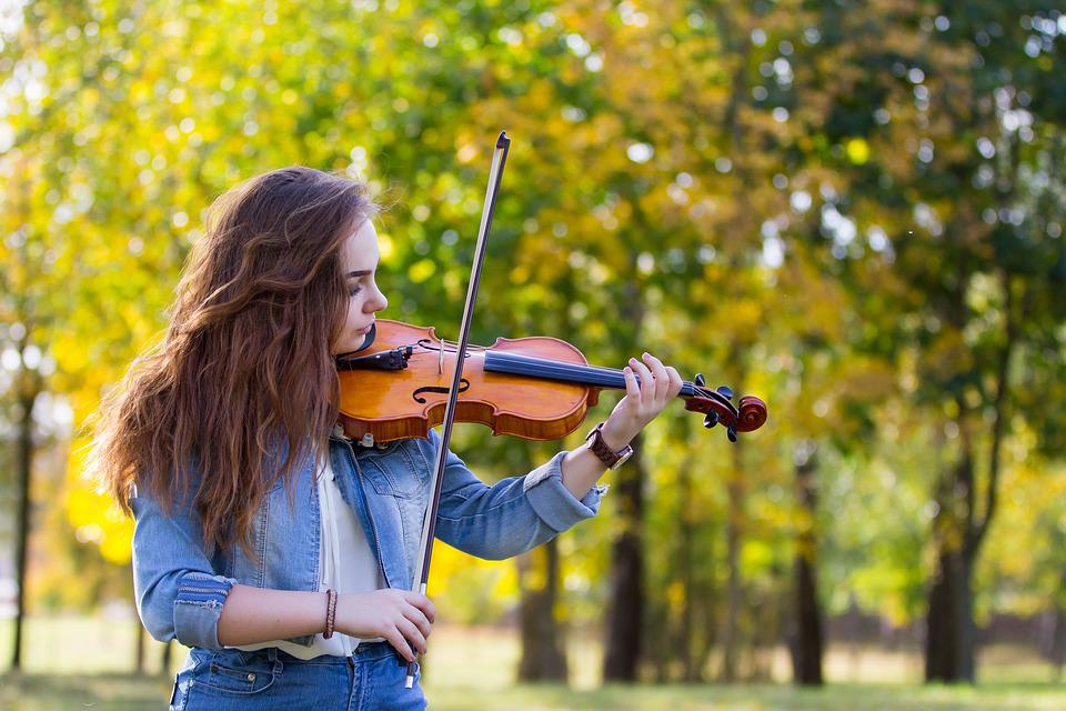 Free photo In The Fall Of Music Violin Girl Autumn Play
