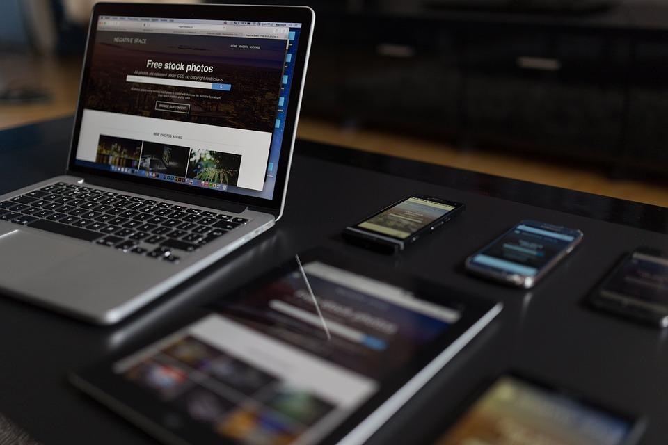 Macbook, Laptop, Computer, Tablet, Iphone, Mobile, Ipad