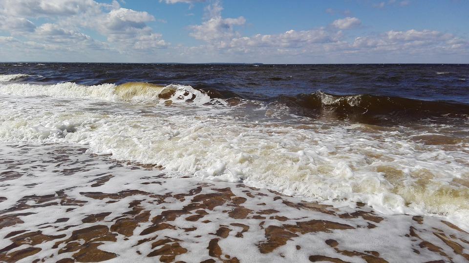 White Sea, Island Cue, Storm