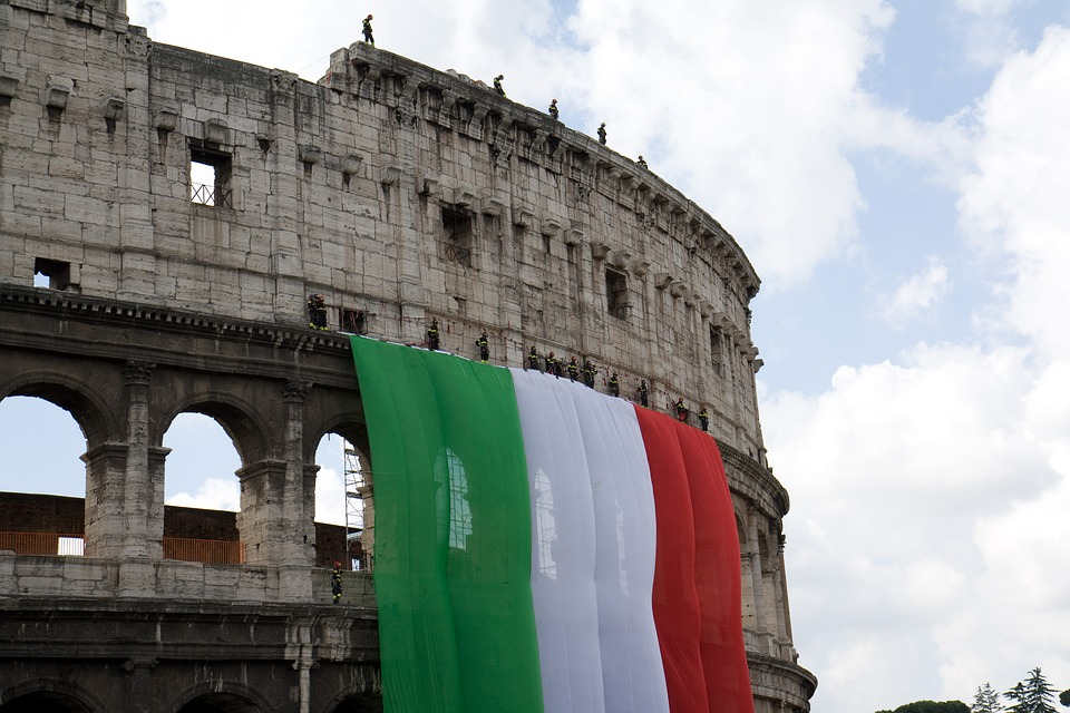 Coliseum, Flag, Industrial Climbers, Italy, Banner, Red