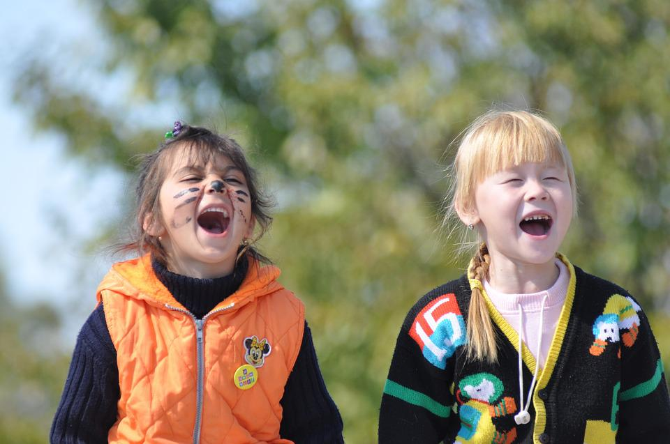 Children, Girl, Jersey, Screaming, Playing, Outdoors