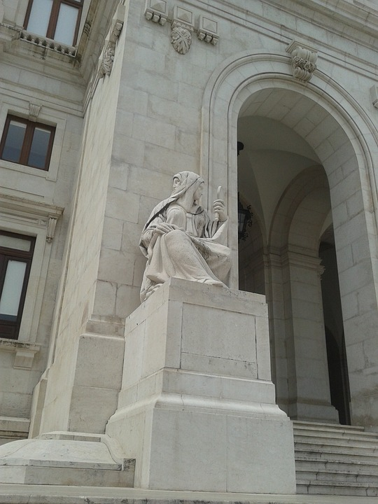 Lisbon, Justice Palace, Statue, Woman, Bifronte, Mirror
