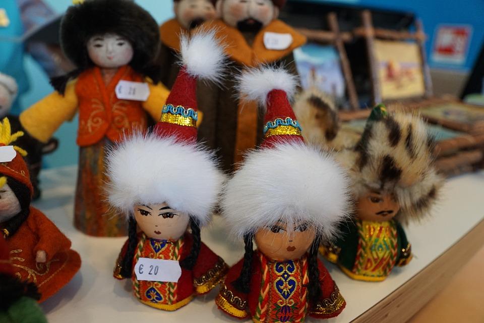 Figures, Women, Kazakh