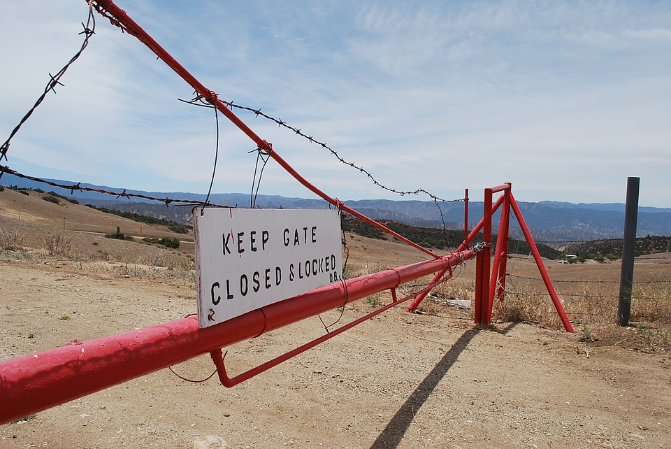 Keep Out, Closed, No Trespassing, Sign, Gate, Red Gate