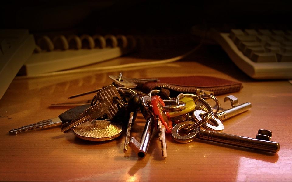 Keychain, Key, Table, Office Table, House Keys, Old Key