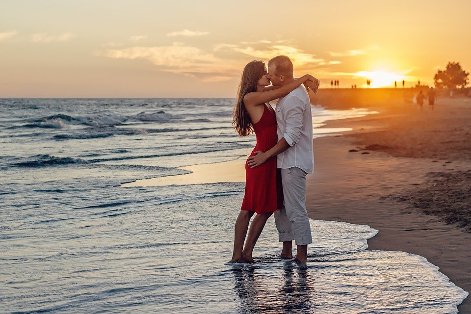 A Couple Of, Young Couple, Love, Kiss, Kissing, Sunset